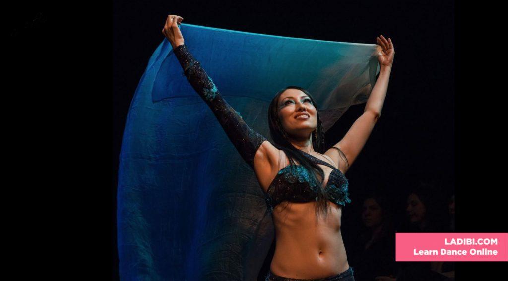 Kaeshi Veil - LaDibi's Sofa - LADIBI Online Dance Academy